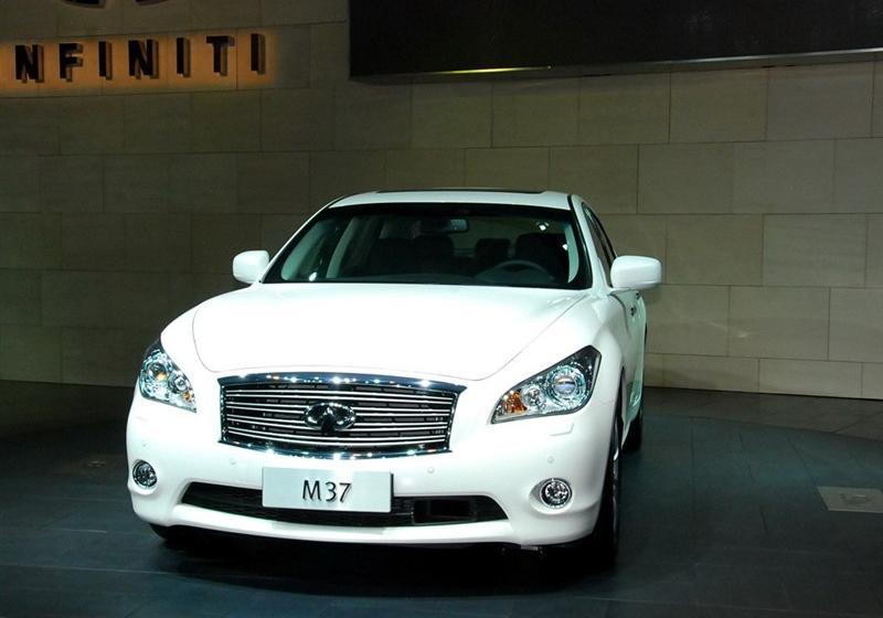2011款M37