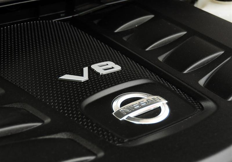 2012款 5.6 V8旗舰版