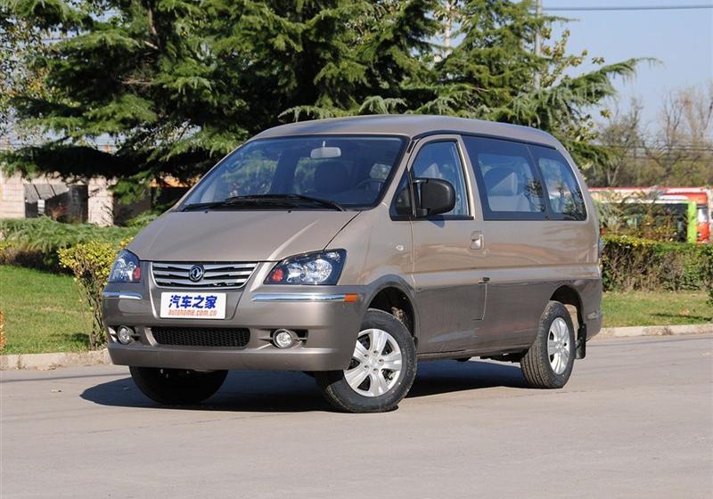2013款M5 Q3 2.0L 9座长轴豪华型