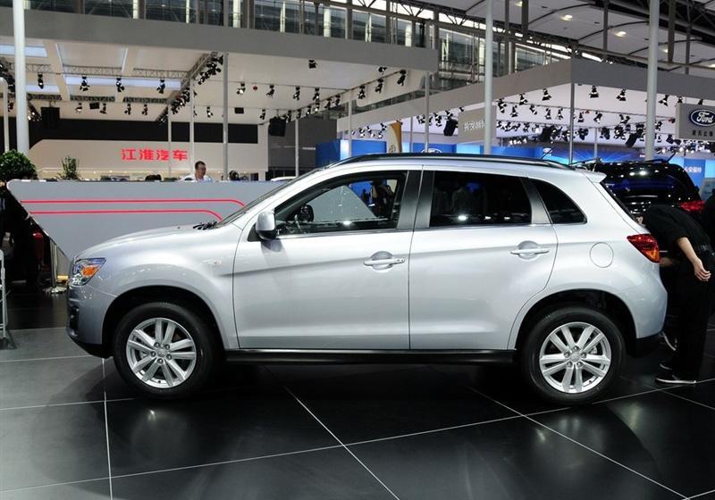 2013款2.0L 自动两驱豪华版