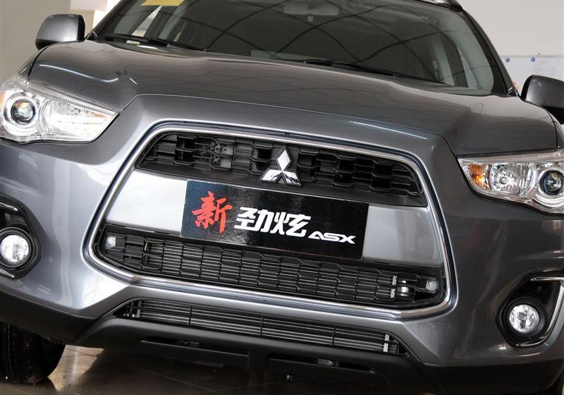 2013款2.0L 自动四驱尊贵版