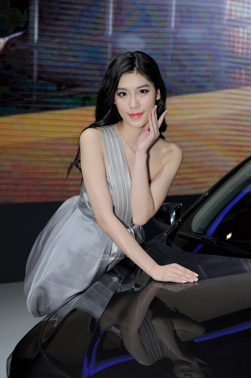 2016中国南京国际汽车慱览会车模_第1张