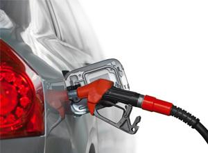 2017年国内油价首涨 私家车加一箱油多花2.5元
