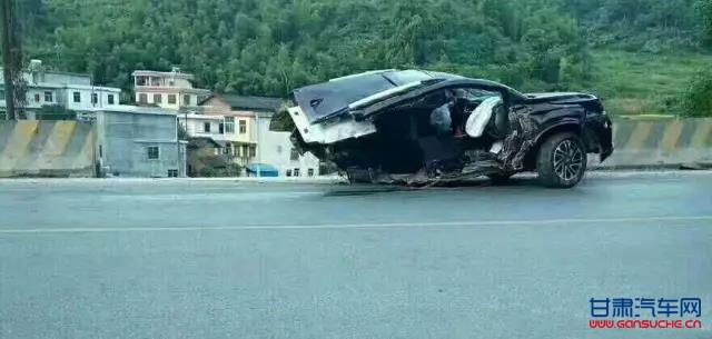 广汽传祺GS4车祸成两截,真相到底是什么 -甘肃汽车网