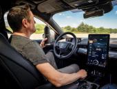 """安全为先 轻松放手 福特汽车在北美推出""""解放双手""""智能驾驶辅助功能"""